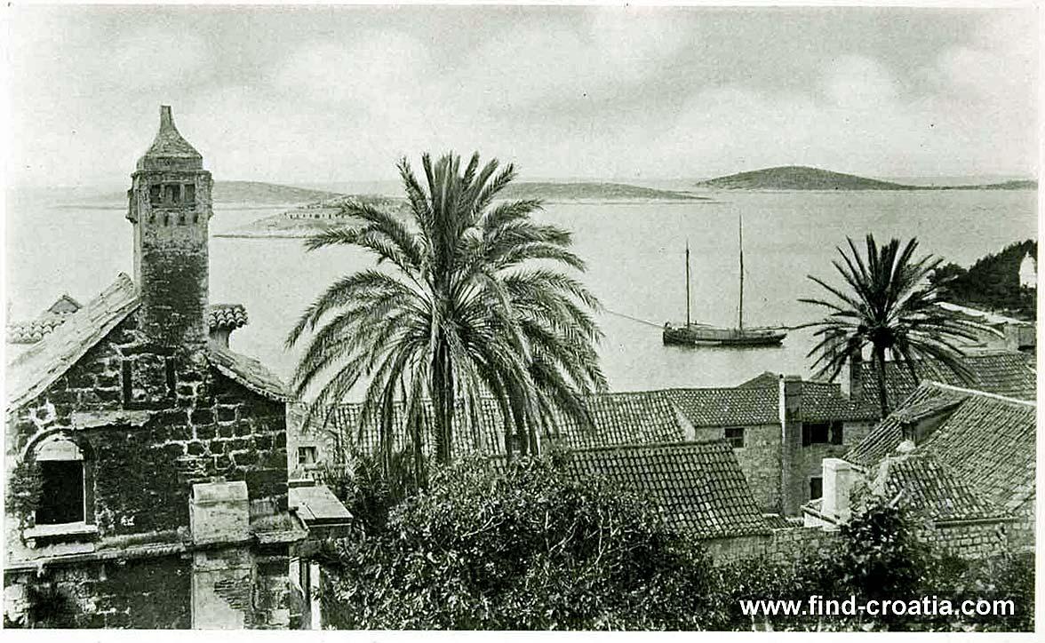 Views over Hvar port in 1908