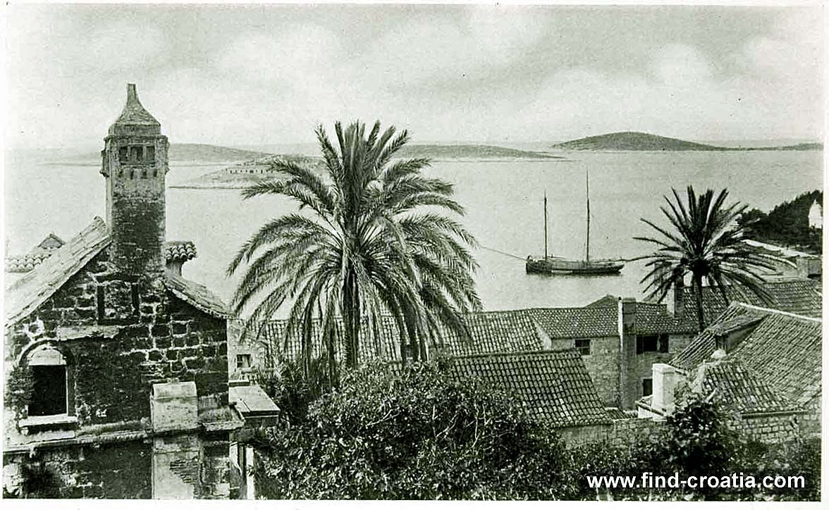 Views over Hvar port in 1908
